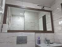 Koupelna 2 - apartmán k pronajmutí Rožnov pod Radhoštěm