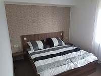 Ložnice malá - apartmán k pronajmutí Rožnov pod Radhoštěm