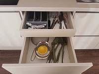 Vybavení kuchyně - Rožnov pod Radhoštěm