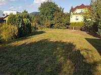 Zahrada - apartmán k pronájmu Rožnov pod Radhoštěm