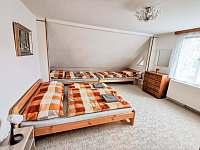 čyřlůžkový pokoj v podkroví - 21 m2 - Frenštát pod Radhoštěm