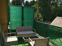 posezení na terase - Frenštát pod Radhoštěm