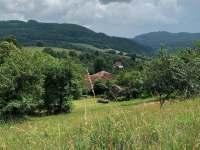 okolní příroda nad komorů - chalupa k pronájmu Lužná u Vsetína