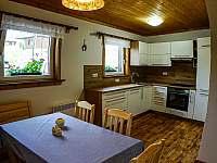 plně vybavená kuchyně s posezením - Nový Hrozenkov