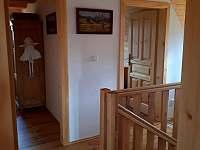 Malá chodba nahoře u ložnic - Komorní Lhotka