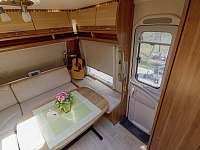luxusní interiér jako na luxusní jachtě... samozřejmostí i klimatizace - Halenkov