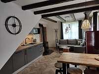 Kuchyň - chalupa k pronájmu Frýdlant nad Ostravicí