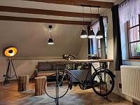 Ložnice s posezením - chalupa k pronájmu Frýdlant nad Ostravicí