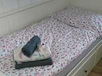 rozkládací postel - pronájem chalupy Velké Karlovice