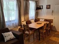 Jídelní kout - apartmán k pronajmutí Velké Karlovice