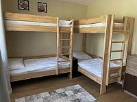 Ložnice - patrové postele - apartmán k pronajmutí Velké Karlovice