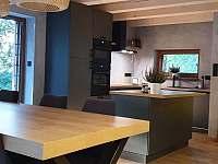 jídelní stůl s kuchyňským koutem - Malenovice