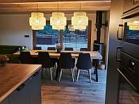 pohled z kuchyně - Malenovice