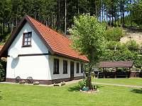 Prostorná zahrada chaty Beskiden - ubytování Valašská Bystřice