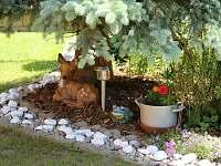 Udržovaná zahrada - pronájem chaty Valašská Bystřice
