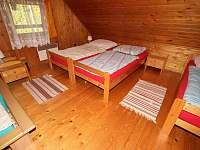 4 pevné postele v 1,ložnici