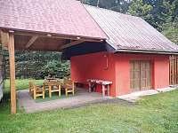 nový-přístřešek a ohniště - chata k pronájmu Horní Bečva