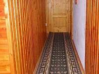 chodba - vstup do ložnic - Bystřice nad Olší