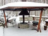 Třeskutá zima v únoru naplňuje komoru. - Bystřice nad Olší
