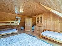 5 - lůžková ložnice v podkroví v chalupě č.1 - chata k pronájmu Valašská Bystřice