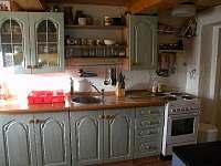 Kuchyňská linka,elektrický sporák.