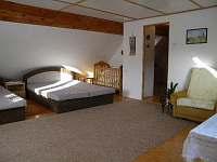 Ložnice č.1. - 2xdvoupostel+3 postele. - chalupa k pronájmu Dolní Bečva