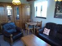 Obývací pokoj - chata k pronájmu Malá Bystřice