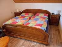Velká ložnice - chata k pronájmu Malá Bystřice