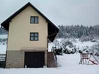 Zimní pohled - pronájem chaty Malá Bystřice