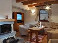 Chata - obývací pokoj detail - k pronajmutí Horní Lomná