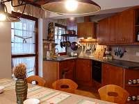 Kuchyn v prvním patře - chata ubytování Horní Lomná