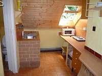 kuchyňka č.2 horní patro - pronájem rekreačního domu Bystřička