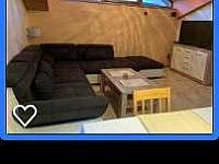 Obývací pokoj s TV - Karolinka