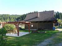 Pergola u dřevěnice - chalupa k pronájmu Nový Hrozenkov