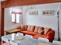 Přízemí dřevěnice U Rozárky-obytná místnost