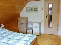 Pokojík pro dva  nacházející se v posledním patře objektu