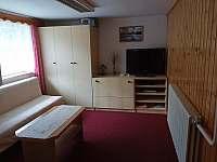 Obývací pokoj - chata k pronájmu Valašska Bystřice