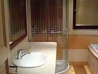 koupelna - chalupa k pronájmu Rožnov pod Radhoštěm