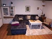 obývací pokoj - chalupa k pronájmu Rožnov pod Radhoštěm
