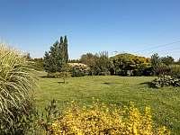 zahrada - pronájem chalupy Trojanovice
