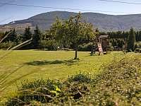 zahrada - chalupa k pronajmutí Trojanovice