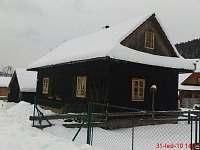 Chalupa Volkov v zimě-běžky, lyžařská střediska - do 1 km až 8 km - k pronájmu Velké Karlovice
