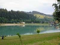 přírodní koupaliště se zázemím(převlíkárny, WC,občerstvení) cca 3,5km od chalupy - Velké Karlovice