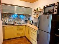 Plně vybavená kuchyně - chata k pronájmu Nový Hrozenkov