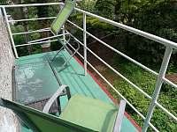 Balkón - chalupa k pronájmu Bystřička