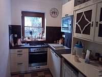Kuchyňka přízemí - chalupa k pronajmutí Bystřička