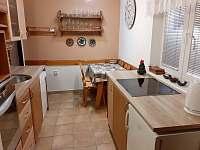 Kuchyň - pronájem chaty Malá Bystřice