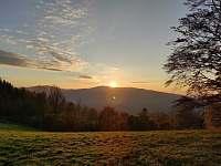 Západ slunce 250m od chaty - Smilovice