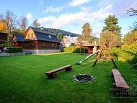 Zahrada - chalupa ubytování Velké Karlovice