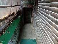 přístup ke sklípku - pronájem chaty Pradlisko